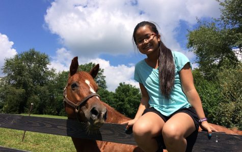 Sophomore spends time volunteering at Pine Meadows Horse and Rescue center