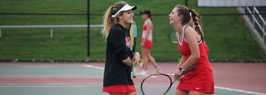 Girls+tennis+opens+sectional+tournament+against+Franklin+Grizzlies