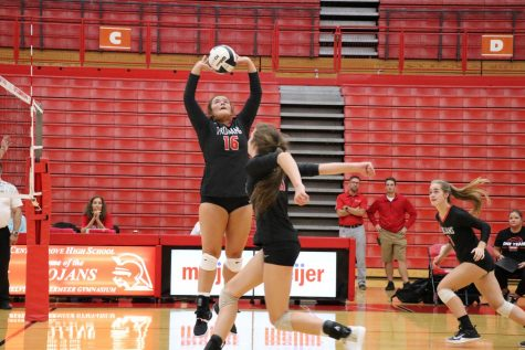Preview: Girls Volleyball Prepares For Regional Meet