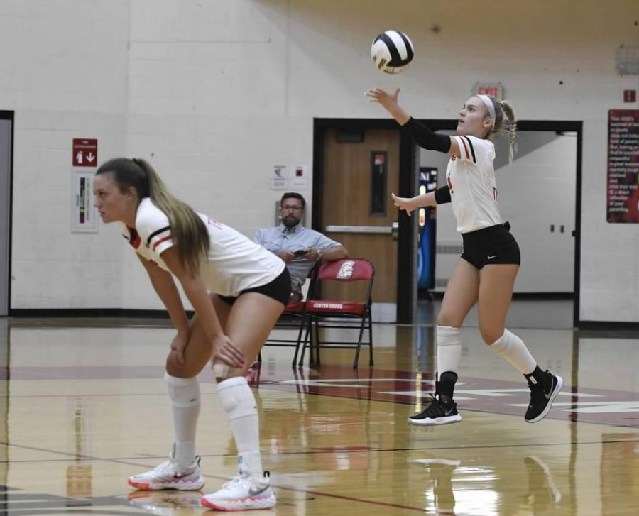 Volleyball takes on MIC rival Carmel